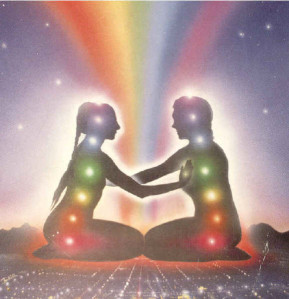 couple arc en ciel chakras